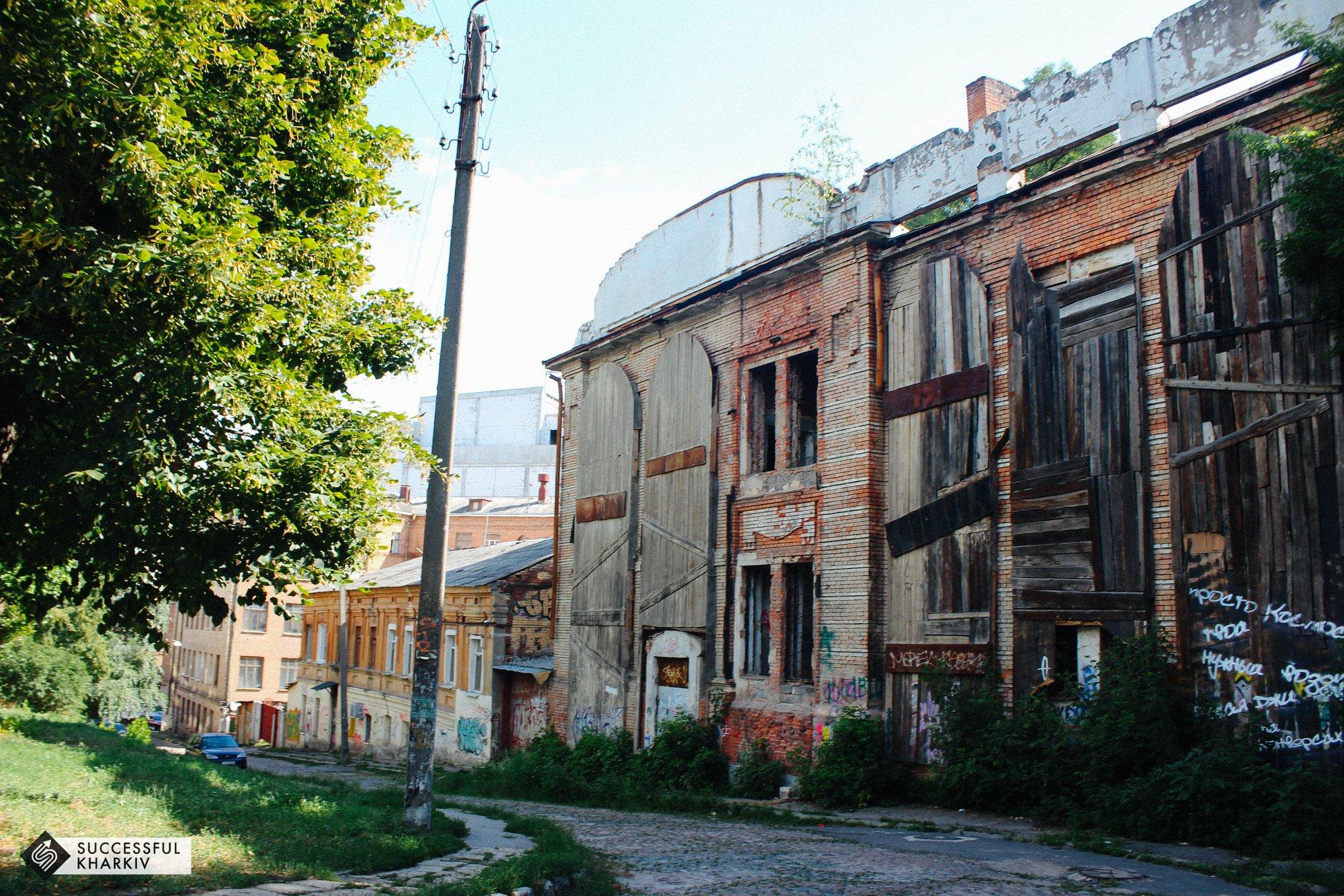 Переулок Воробьева хранит трупы, притягивает киношников и террористов