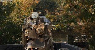 В Харькове появилась скульптура из мусора