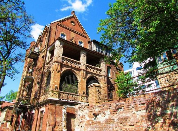 Прогулки по Харькову: улица готических замков