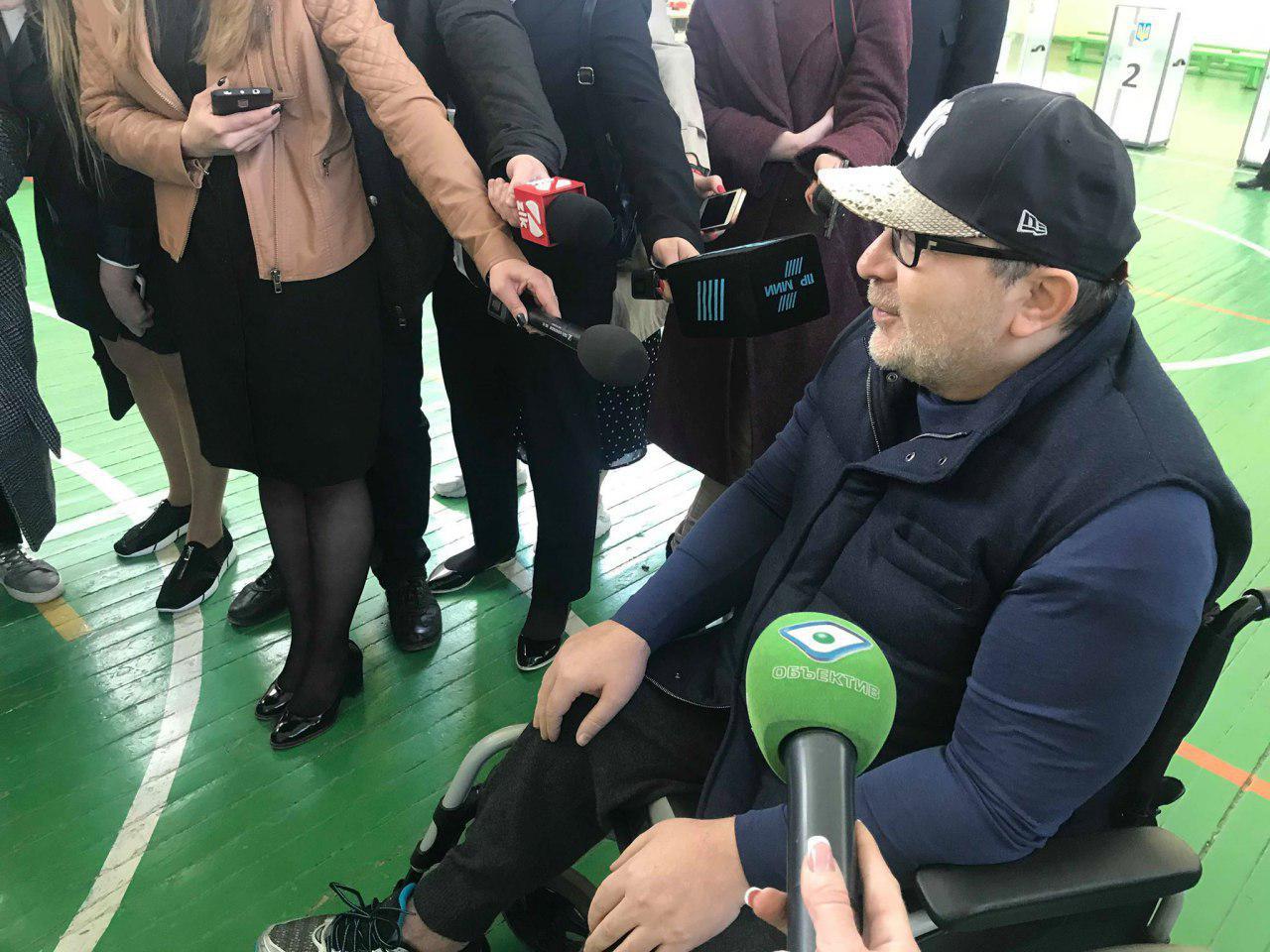 Геннадий Кернес проголосовал и рассказал о встрече с Коломойским