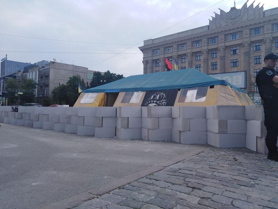 Власти Харькова ответили на петицию о палатке волонтеров