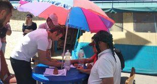Вакарчук в Харькове посетил волонтерскую палатку на площади Свободы