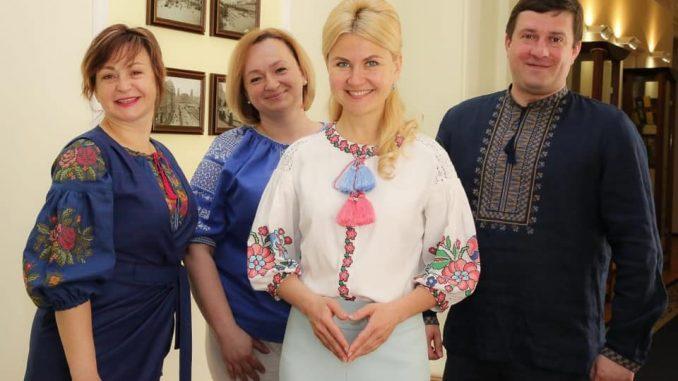 В День Вышиванки в ХОГА большинство сотрудников в национальных одеждах