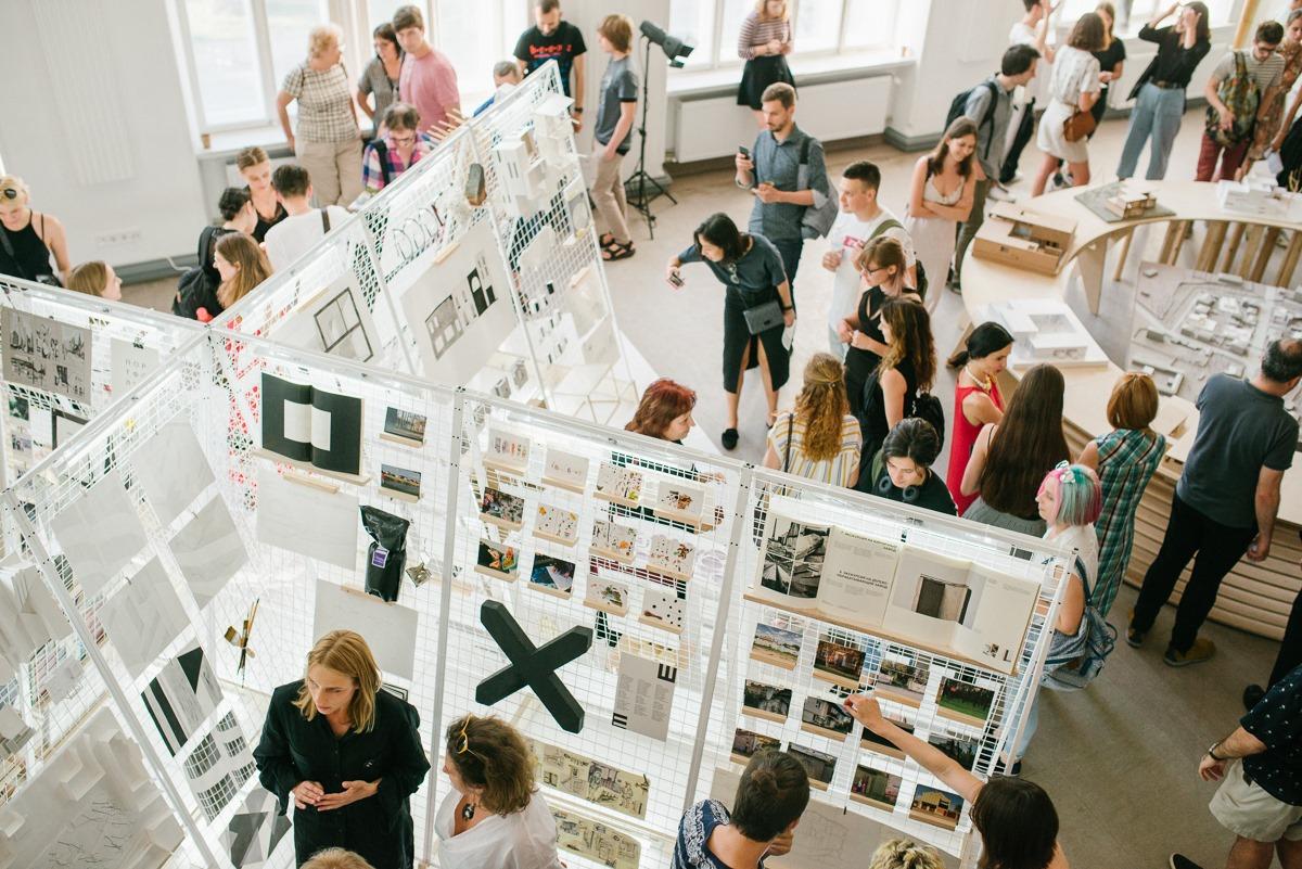 Выставка работ номинантов премии Мис ван дер Роэ открылась в Харьковской школе архитектуры
