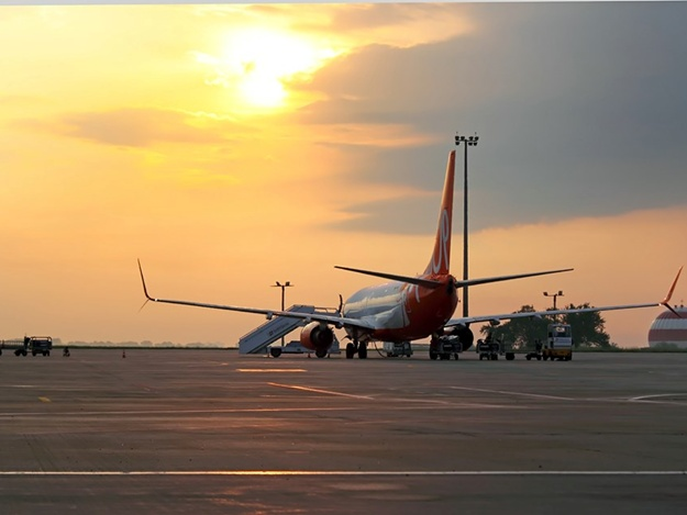 Дешевле, чем в купе: из Харькова запускают авиарейсы во Львов и Киев