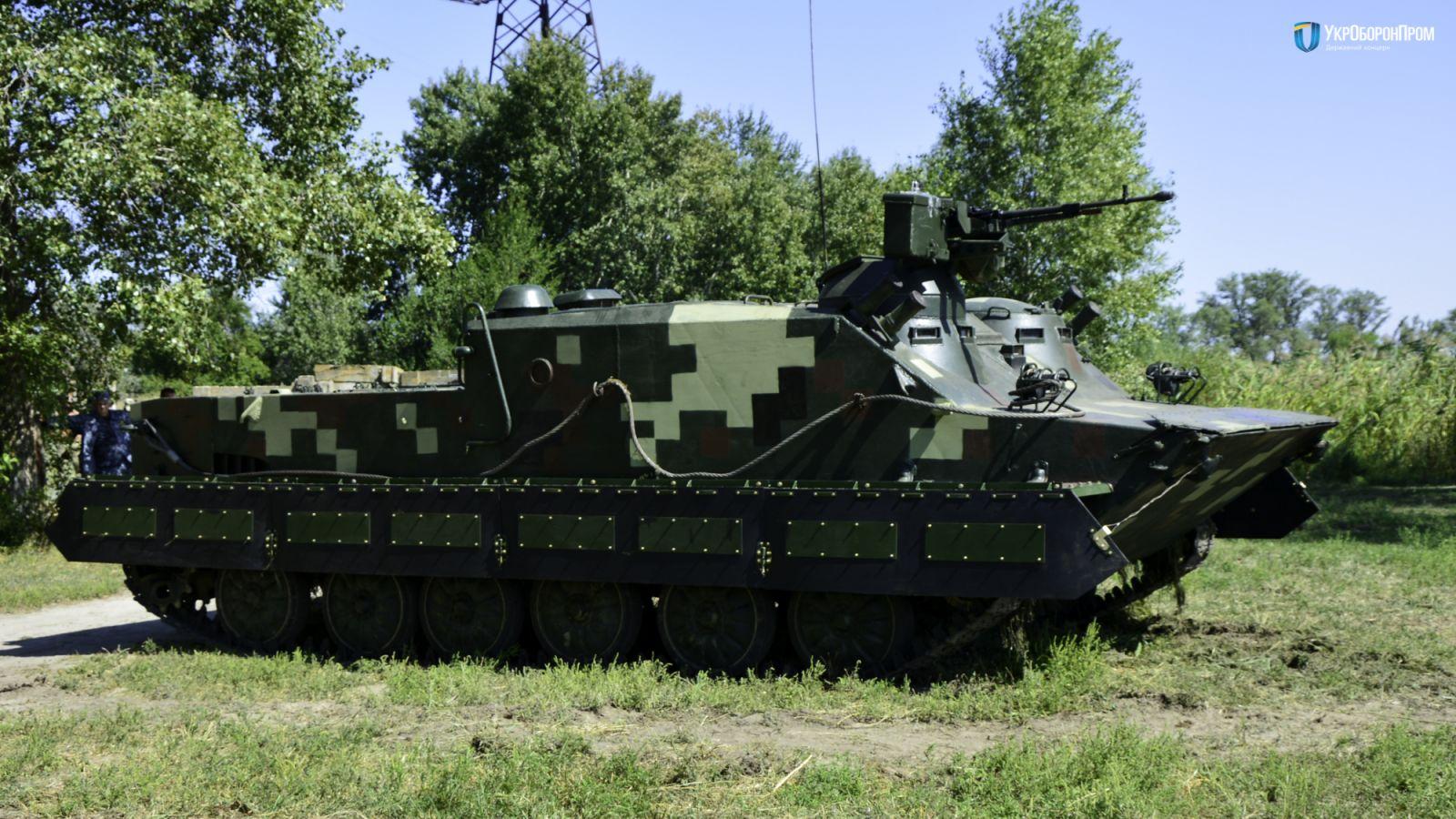 На заводе Малышева прошли испытания боевой техники