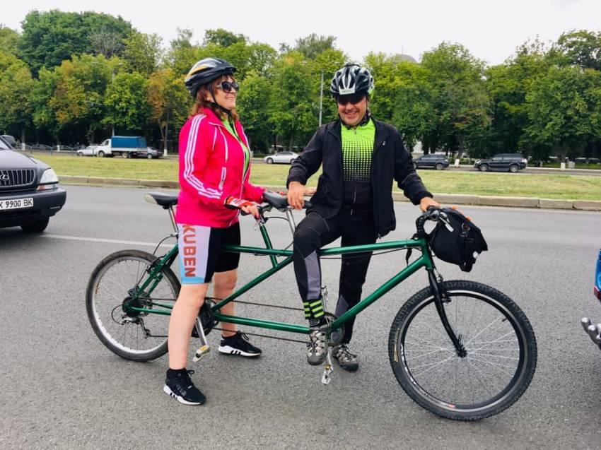 Двоколісна інклюзія: унікальний велопробіг пройшов на Харківщині