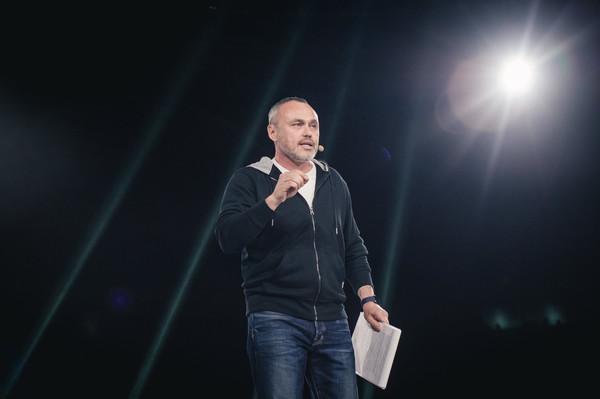 Бизнесмен Евгений Черняк в Харькове: «Если одна бл**ь выдаст кредит под 20% — пи**ец вам будет»