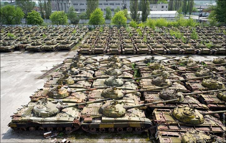Кладбище военной техники в Харькове