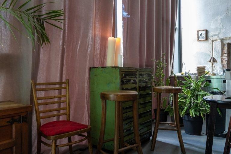 Таємний бар Saints Bar біля «Кловської»