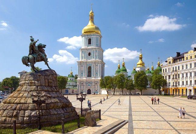 Софийская площадь – неофициальный майдан независимости